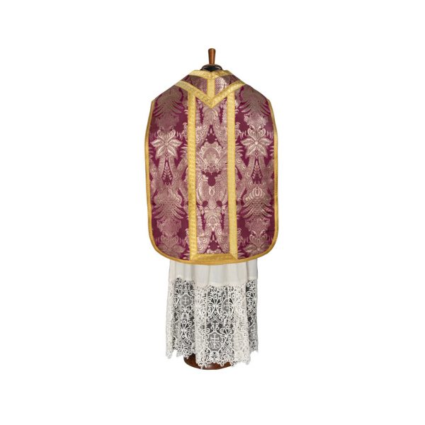gammarelli-sartoria-ecclesiastica-abbigliamento-clero-paramento-pianeta-romana-oro-lampasso-GAM1