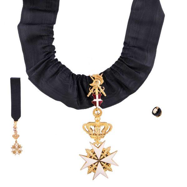 gammarelli-decorazione-cavaliere-grazia-devozione-ordine-sovrano-malta