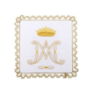 gammarelli-biancheria-alatare-palle-ricamate-mariano-corona