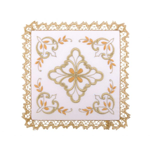 gammarelli-tailoring-clergy-apparel-garments-altar-pall-linen-mary-embroidery-daisy