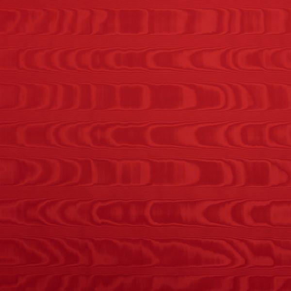 gammarelli-sartoria-ecclesiastici-abbigliamento-religioso-tessuto-seta-moire