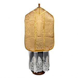 gammarelli-sartoria-ecclesiastici-abbigliamento-religioso-parament-pianeta-romana