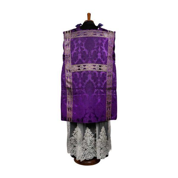 gammarelli-sartoria-ecclesiastici-abbigliamento-pianeta-san-filippo-sartoria-ecclesiastici-paramenti-religiosi-paramenti-tonacella-gotica