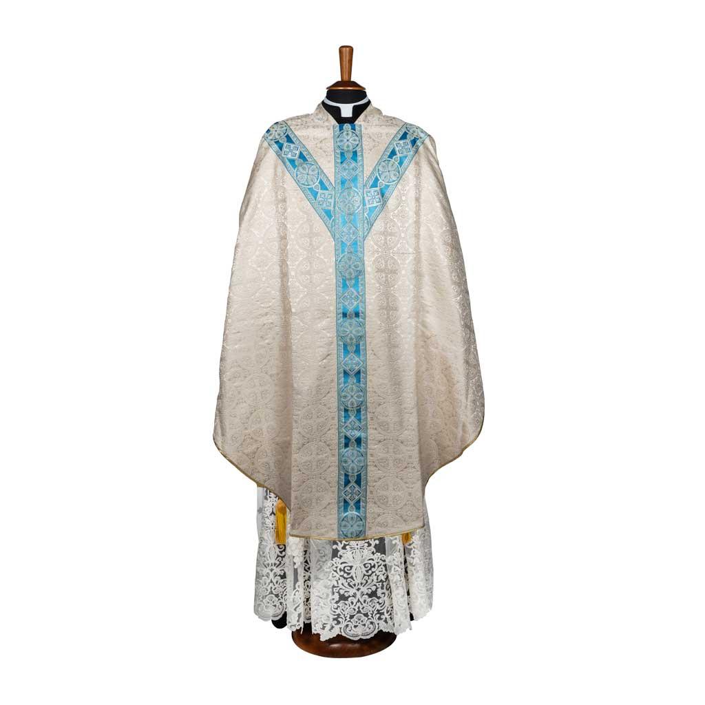 gammarelli-sartoria-ecclesiastici-abbigliamento-religioso-paramenti-casula-semigotica