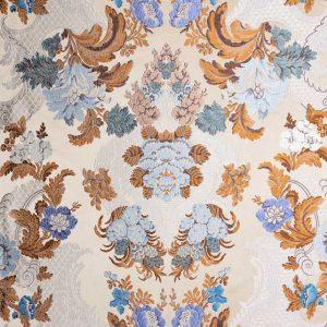 gammarelli-sartoria-ecclesiastici-abbigliamento-religioso-tessuto-lampasso-azzurro