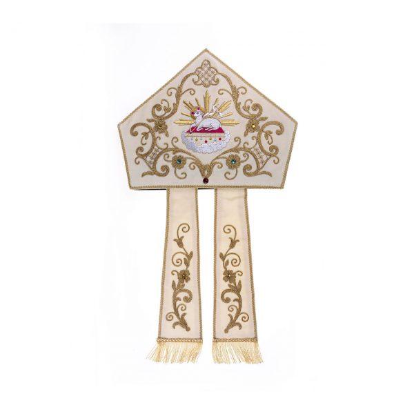gammarelli-sartoria-ecclesiastici-mitria-ricamata-macchina-agnus-dei