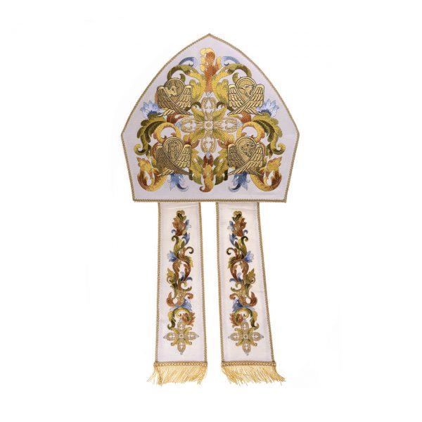 gammarelli-sartoria-mitria-artigianale-evangelisti-ecclesiastici-accessori-vescovili-cappelli