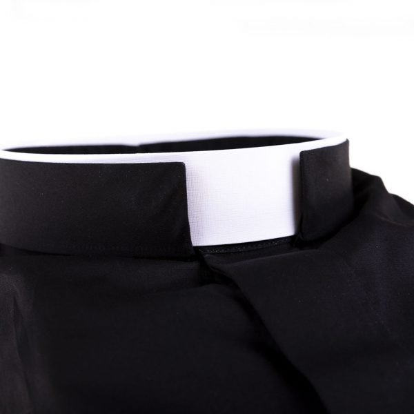 gammarelli-sartoria-camicia-collo-romano-shirt-roman-collar-tailor-shop-clergy-rome