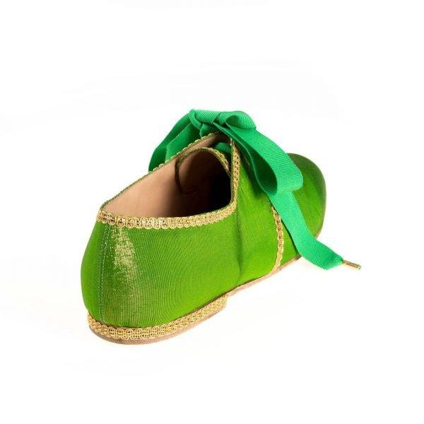 gammarelli-sartoria-ecclesiastica-sandali-pontificali-abbigliamento-scarpe