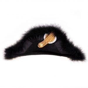 gammarelli-sartoria-ecclesiastici-abbigliamento-paramenti-sacri-accessori-cappello-feluca-ordine-san-silvestro-papa
