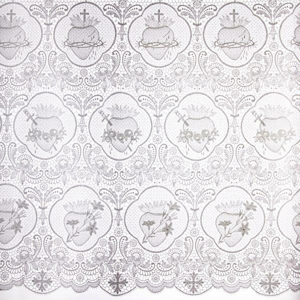 gammarelli-sartoria-ecclesiastica-abbigliamento-paramenti-abiti-sacri-merletto-macramè-sacro-cuore-ricamo-macchina